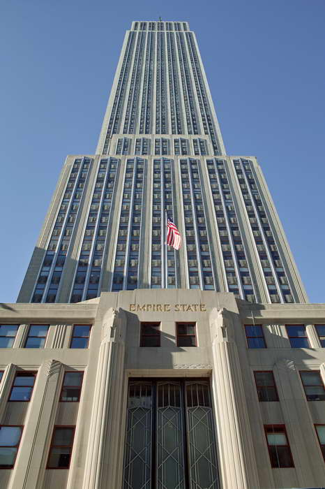 EEMPIRE STATE BUILDING - NEW YORK